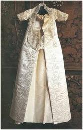 Suposto vestido usado por Elizabeth durante sua cerimônia de batismo.