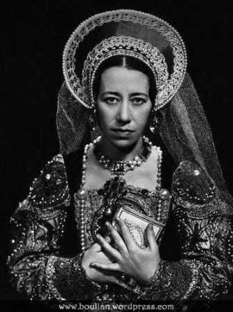 Flora Robson como Maria Tudor, na peça 'Mary Tudor' no The Playhouse em 1935.