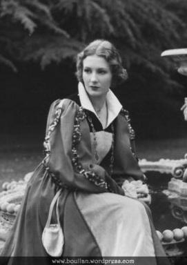Binnie Barnes como Catarina Howard, no filme The Private Life of Henry VIII em 1933.