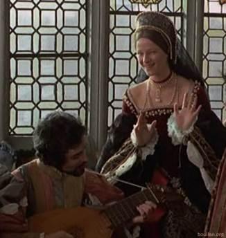Damien Thomas como Smeaton e Charlotte Rampling como Ana Bolena, no filme Henry VIII and his Six Wives.