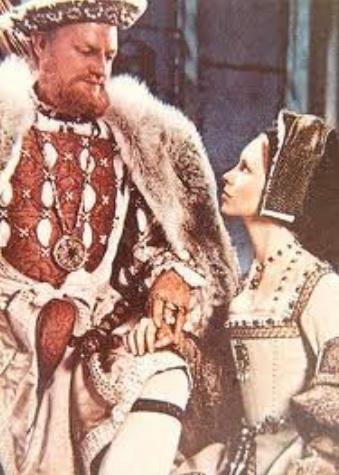 Keith Michell como Henrique VIII e Jane Asher como Jane Seymour, no filme Henry VIII and His Six Wives de 1972.