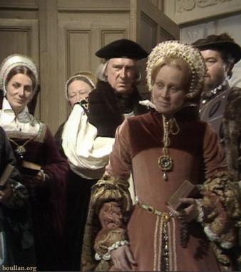 Daphne Slater como Maria Tudor, na série Elizabeth R