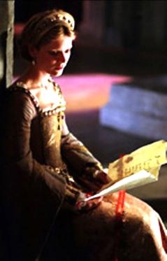Emilia Fox como Jane Seymour no filme 'Henry VIII' em 2003.