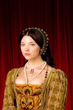 Natalie Dormer como Ana Bolena na série The Tudors em 2007