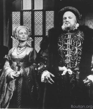 Elsa Lanchester como Ana de Cleves e Keith Michell como Henrique VIII