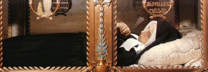 Corpo incorrupto de Santa Bernadette (séc. 19)
