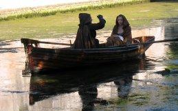 Jodie Comer foi vista em uma barcaça