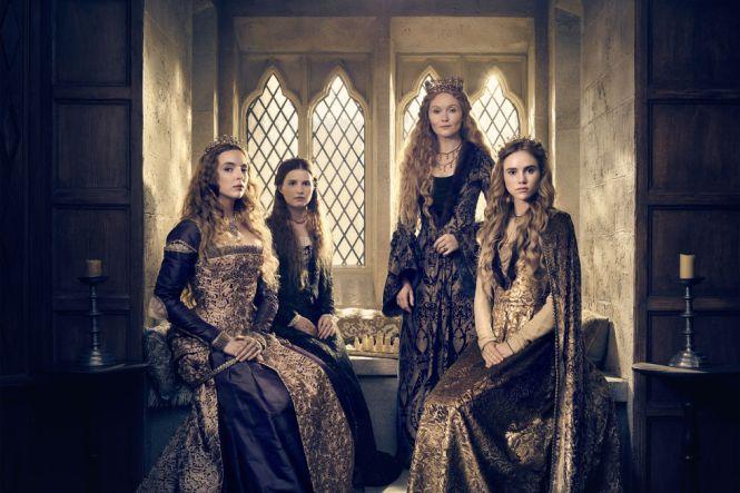 A partir da esquerda: Jodie Comer como Elizabeth de York , Rebecca Benson como Margaret Plantagenet, Essie Davis como rainha viúva Elizabeth e Suki Waterhouse como Cecily de York.